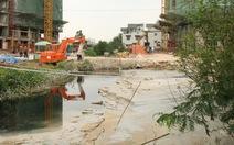Đổ bùn làm bít mương thoát nước