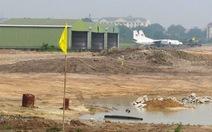 Sân golf lại vào sân bay