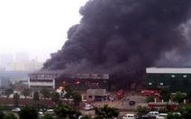Trung Quốc: Cháy nhà kho, 12 người chết