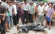 15 tuổi chạy xe gắn máy bị xe tải đụng chết