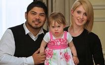 Kỳ tích chiến thắng bệnh tật của bé gái 2 tuổi