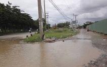 Đường Nguyễn Văn Linh ngập nước