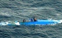 Buôn lậu bằng...  tàu ngầm
