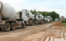 Xe tải khuấy động khu dân cư