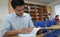 Đọc sách ở công ty