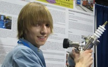 Nhà khoa học hạt nhân trẻ tuổi nhất