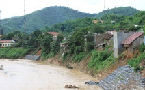 Thanh Hóa: Sạt lở bờ sông Lò