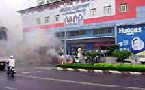 Cháy xe taxi trước siêu thị Co.opmart Vũng Tàu