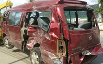 Ô tô tông nhau, 2 người chết, 9 người bị thương