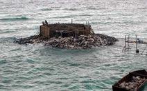 Nhà nổi đã xây trên đảo Đá Tây