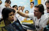 24 bệnh nhân được mổ và điều trị mắt miễn phí