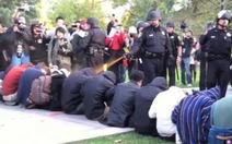 Mỹ: phẫn nộ khi cảnh sát xịt hơi cay vào sinh viên
