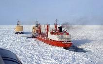 Nga: cháy tàu phá băng, 2 người thiệt mạng
