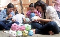 Phiên chợ đồ cũ vì trẻ em nghèo