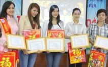 Tuyên dương 12 sinh viên tài năng