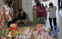 Bánh kẹo dỏm ra chợ
