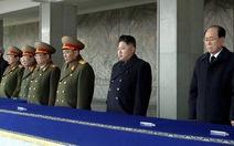 Kim Jong Un trở thành tổng tư lệnh quân đội