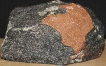 Nhiều khoáng chất của Mặt trăng tìm thấy tại Úc