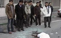 Nổ xe bom, nhà khoa học hạt nhân Iran chết