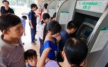 Để bớt phiền toái khi rút tiền ATM