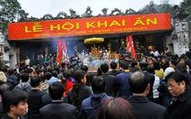 Hơn 2.000 người bảo vệ đêm khai ấn đền Trần