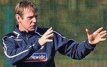 HLV Stuart Pearce tạm dẫn dắt tuyển Anh