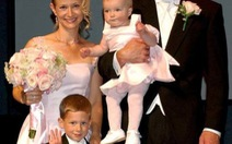 Vòng quanh thế giới với 15 lần cưới