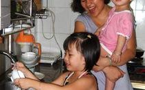 Khuyến khích trẻ làm việc nhà
