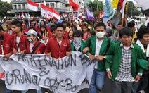Indonesia tăng giá nhiên liệu thêm 33%