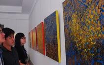 Triển lãm tranh vẽ từ vàng lá 24k