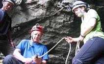 Howard Limbert & 15 lần khám phá Phong Nha