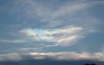 Mây màu cầu vồng kỳ lạ