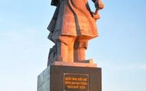 Dựng tượng đài Trần Hưng Đạo ở Trường Sa
