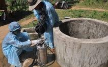 Tổng vệ sinh diệt mầm bệnh ở làng Rêu
