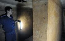 Mở cửa hầm trú ẩn bị chôn vùi sau 40 năm
