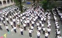 200 học trò nhảy flashmob chia tay thời áo trắng
