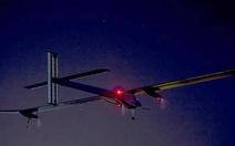 Máy bay năng lượng mặt trời hoàn thành hành trình 2.500km