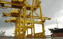 2 cảng 700 tỉ đồng chờ đường