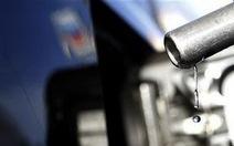 Giá dầu xuống thấp nhất trong 18 tháng