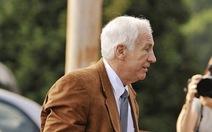 Cựu HLV bị kết 45 tội danh lạm dụng tình dục