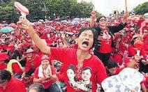 Thái Lan: áo đỏ rầm rộ chống tòa án hiến pháp