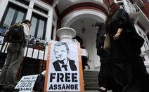 """Người nổi tiếng thỉnh cầu """"cứu"""" ông chủ WikiLeaks"""