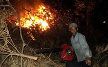 Cứu cháy rừng trong đêm tại đèo Hố Chùa
