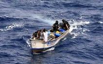 Giải cứu 12 thủy thủ VN bị cướp biển bắt
