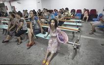 Trẻ em Trung Quốc khổ luyện vì giấc mơ vàng