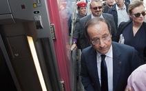 Tổng thống Pháp nghỉ mát giản dị