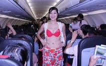 Phạt VietJet 20 triệu vụ múa bikini trên máy bay