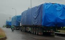 Quảng Trị: Xe quá tải phá nát quốc lộ 9