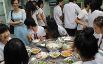 Vì sao bữa ăn hao hụt?