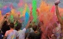Lễ hội ném bột màu Holi Fest tại Đức